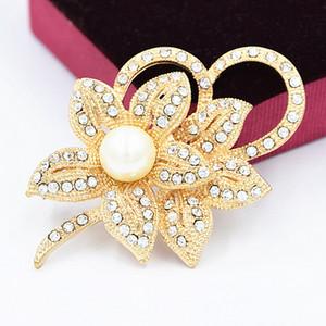 Look vintage or blanc clair strass cristal Diamante Cream Pearl Flower Centre et Bow bouquet de mariage Broche