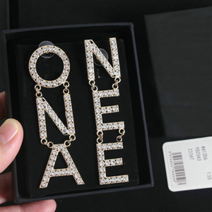 Есть штамп письмо моды обруча алмаз двойных золотые серьги aretes Orecchini для любителей свадьбы женщин партии подарка ювелирных изделий зацепления с коробкой