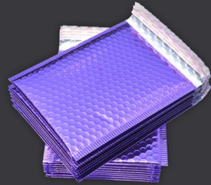 Purple Poly Bubble Mailers Poedded Convelopes Self Seal Mailing Convells Bags Pack 50 шт. 18 * 23 см Упаковочные пакеты