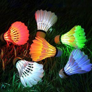 6Pcs Красочных светодиодные светящегося пера Бадминтон новомодной Dark Night Glow освещение Волан помещение Спорт вспышка цвет