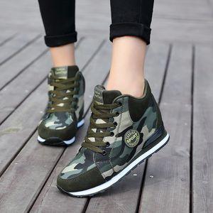 2020 İlkbahar Kama Yüksek Top Platformu Sneakers Kadınlar Kamuflaj Günlük Ayakkabılar Kadınlar Yükseklik Artış Lace Up Kadınlar Tuval Ayakkabı MX200801