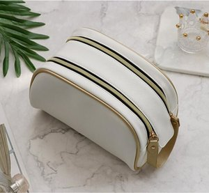 2020 Fashion hot Women's Cosmetic Bags travelling toilet bag fashion women wash bag large capacity cosmetic bags makeup toiletry bag Pouch