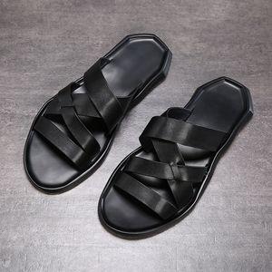 2019 nuova estate sandalo scarpe scarpe di cuoio strato superiore della spiaggia degli uomini fasion casuali traspirante antiscivolo suola morbida sandalo uomini