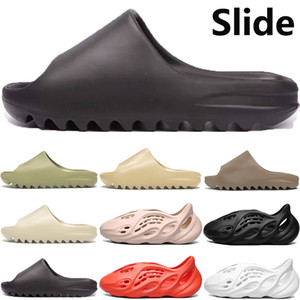 2020 New foam runner slipper sandal shoes men women resin bone desert sand earth brown soot triple black total orange slide sandals