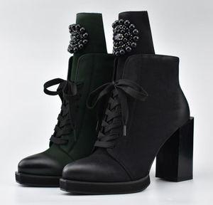 Womens Scarpe a punta della caviglia branelli neri Stivali diamante Decor Lace Up Side Zipper blocco tacco alto scarpe da moto punk C925