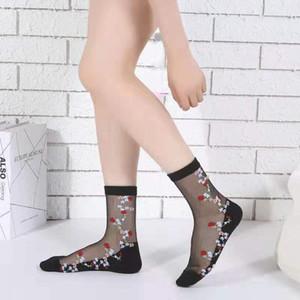Diseñador de ropa de las señoras bordado Famale no Slip Medias Moda de verano transpirable hueco del tubo de Sockings