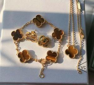 S925 순수 실버 여성 결혼 보석 선물 PS6290A에 대한 자연 화이트 쉘 colver에 다섯 꽃 팔찌