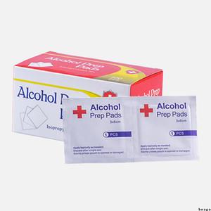 100pcs / box batuffolo imbevuto di alcool Pad 70% di alcol Prep Pad Sterilizzare disinfezione salviettine umidificate per la pulizia della pelle Cura Alcohol SWABS Pads Salviettine DBC BH3455
