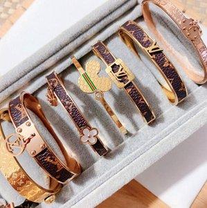 Roman digital titanium steel bracelet lovers bracelet Crown  2020  Lover woman bracelet men's luxury jewelry
