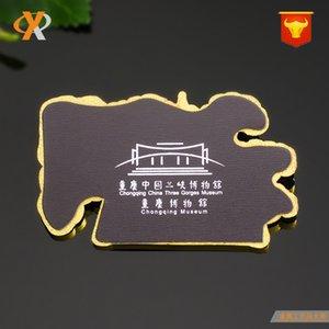 Fabricante personalizado highgrade esmalte colorido edifício geladeira colar Baidi Temple forma de banda desenhada colar de metal geladeira