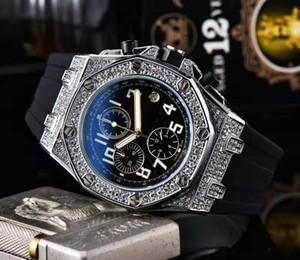 Atacado Mens Moda Relógio de luxo clássico Designer relógios de marca All Dial Trabalho Chronograph Função com Rubber Strap Bezel Diamante Iced
