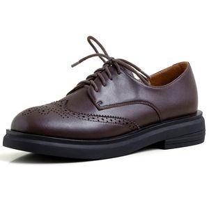 Oxford Echtes Leder Frauen Einzelne Schuhe Fretwork beiläufige Brogue runde Zehe Absatz schnüren sich oben Retro-Leder-Schuhe Vintage-Pumps