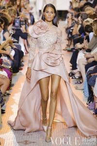 Manga Alto Bajo noche largos vestidos formales 2020 Elie Saab rubor rosa Volantes Peplum Mostrar tus puntos de flores árabe vestido de la ocasión Prom