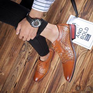 2019 nuevo tejido de cuero genuino calidad negocios Inglaterra estilo hecho a mano oxford zapatos hombres primavera bullock zapatos tallados