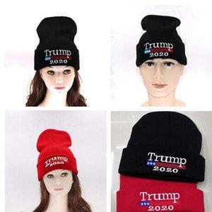 2020 Caps Trump elezioni americane di lavoro a maglia USA Flag ricamato di lana a maglia Cappelli Beanies campagna inverno caldo Skull Cappelli B81401