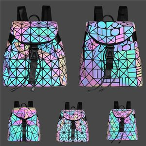 Moda Retro Feminina Britânica Handbag 2020 Pu Luminous Luxo Bags Backpack Mulheres Designer Rivet menina Messenger Bag Ombro L26 # 156