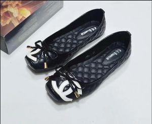 2019 kadın marka deri terlik, tasarım terlik, metal zincirler, yazlık sandaletler, plaj ayakkabıları, moda terlik, terlik