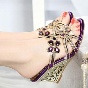 Keil-Sandelholz-Schuh-Frauen-Absatz-Sandelholz-Bestnote Sandalia Feminina Sandalen Kristallschuhe gute Qualität