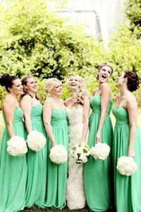 New Green Chiffon Bridesmaid Dresses Cheap Sweetheart Floor Length Wedding Party Gowns Ruched Maid Of Honor Dress