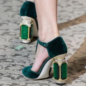 Style Vintage Strass Stud Talon Velours Pompes Chunky Talons Hauts Ankle Strap Femmes Pompes Big Gemstone Orné Talons Chaussures De Soirée