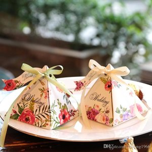 جديد متعدد الألوان الطراز الأوروبي المثلث الشخصية علب الهدايا الزفاف حفل الزواج السلع الحلوى حالة الطباعة كلاسيكي