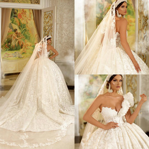 Dubai Ball Gown Wedding Dresses With Veils One Shoulder Lace Appliques Sleeveless Bridal Gowns Puffy Sweep Train Wedding Dress