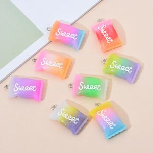10PCS / Lot der Steigung-Farben-Harz-süße Süßigkeit-Anhänger-Charme-handgemachte DIY Zubehör Goodies Halskette Schlüsselanhänger Ohrringe
