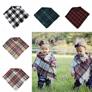 Cute Baby Plaid Cloak Soft Kids Winter Warm Lovely Shawl Check Scarves Outdoor Travel Beach Wraps TTA1466