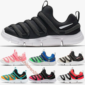 2019 Novice Kleinkind-Schuhe für Jungen-Mädchen-Slip-On Running Kinderschuhe Schwarz Weiß Blau Gelb Baby-Turnschuhe Kinderschuhe Größe 22-35