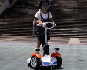 Crianças Moda' carro de controle remoto Balance Motor Van passeio em brinquedos Elétrica Crianças RC passeio no carro cinco rodas Bumper Scooter Car