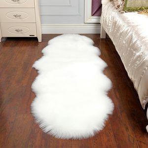 Tapis en fausse fourrure en peau de mouton Tapis pour la maison Chambre enfants Salon Chaise Chambre chaude de haute qualité antidérapante blanc gris