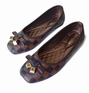 Marka tasarımcıları kaliteli tek düz ayakkabılar yaz kapalı kaygan terlik 42'ye yeşil düz ayakkabılar 35 kırmızı sivri