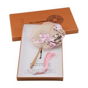Nouveauté Couleurs soie fait à la main broderie de Suzhou fans double face Fleurs de broderie Série Fan avec boîte-cadeau célèbre design Culture chinoise