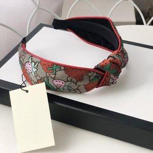Mulheres Luxo Silk Headbands melhor qualidade Doce Morango Padrão Fitas para o Cabelo Lenço para mulheres menina headwraps Com Presentes Box