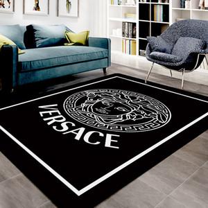 Hot Design Luxus Muster-Marken Brief nach Hause Einrichtung Schlafzimmer Haustür Mode nicht Beleg-Matte Teppich Wohnzimmer Fussboden Karikatur Fußmatte