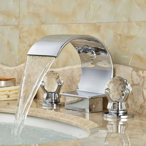 Смеситель для ванной комнаты с водопадом и двумя ручками