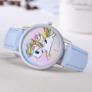 Reloj del estudiante New Flying Unicorn Moda decoración de la correa ocasional del cuarzo de las señoras reloj redondo Negro blanco de plata azul de Brown