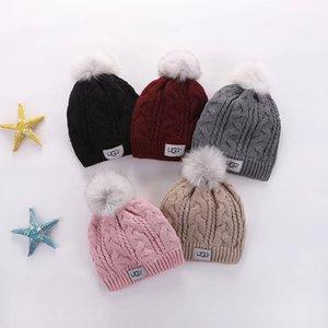 2020 Kış Örgü Gerçek Kürk Şapka Kadınlar Kalınlaşmak kasketleri 15cm Gerçek FOX KÜRK Kürk Pompoms Sıcak Caps snapback ponpon bere Şapkalar ile