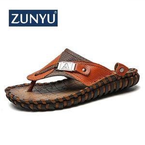 Zunyu 2019 Nuevo Tamaño grande 38-48 Chanclas de playa de verano Zapatillas de cuero de hombre Pisos Hombre Sandalias de playa zapatos de goma para hombre al aire libre