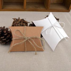 100pcs Weiß braun nette kleine Kissenform Candy Box Vintage rustikale Hochzeitsbevorzugungs Partygast Geschenktüte Kraftpapierverpackungen