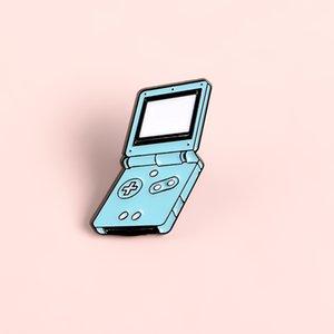 El Oyun Konsolu Pim Mavi Oyun Makinesi Broş Yumuşak Emaye iğneler İçin Kadın Erkek Karikatür Rozet Oyuncu Mücevher