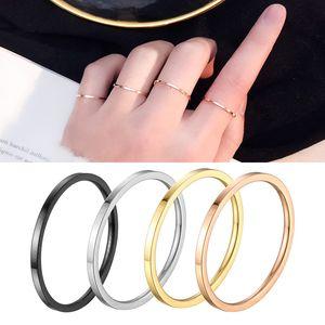Anillo apilable fino de 14 mm Banda llana de acero inoxidable chapado en oro de 14 k para mujeres de talla 3-10