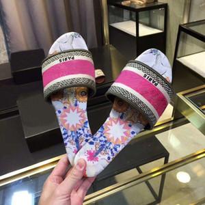 2020 Париж женщин лето сандалии Слайды Трусы женские Вьетнамки для девочек Полосатый Вышитые Цветочные тапочки Seaside Flat