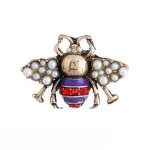 Crystal Pearl retro broche Abelha bonito pérola de liga alfinete de broche gemstone Bee moda broche de pérolas de cristal Abelha Broches Abelhas Pinos 3 cores