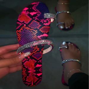 Sommer-Frauen Klippzehe Flache Slipper Frau Bling Kristall beiläufige Damen Flip Flops Thong Beach Schuhe Weiblich Glitter Slides Schuh