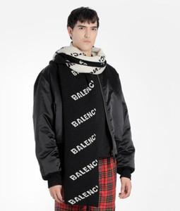 2020 Fashion Show paris Buchstabedruckes Herren Designer Schal neuer Herbst-Winter weiß schwarz Frauen Männer Schal Straße warmer Frauen Schal