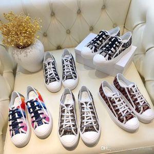 Livraison Gratuite Superstar Blanc Noir Rose Bleu Or Superstars Des Années 80 Fierté Sneakers Super Star Femmes Hommes Sport Casual Chaussures EU SZ35-40