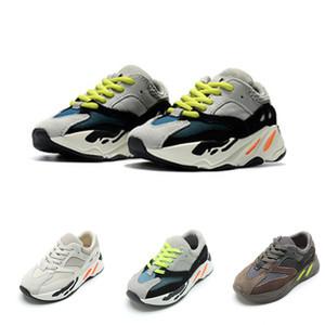 Infant scarpe da corsa per bambini progettista sport scarpe dei ragazzi delle ragazze del bambino grande moda giovanile Colori multipli formatori sneakers Kanye West per bambini