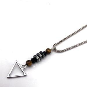 NAIQUBE 2020 neue Art und Weise Männer Frauen umgekehrte Dreieck-Anhänger Neckalce Vintage Design-Ketten-Halskette Stein-Korn-Schmucksache-Geschenk