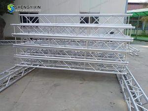 Алюминиевая линия Array Speaker освещает ферменную конструкцию подъемной системы, систему ферменной конструкции Spigot Light